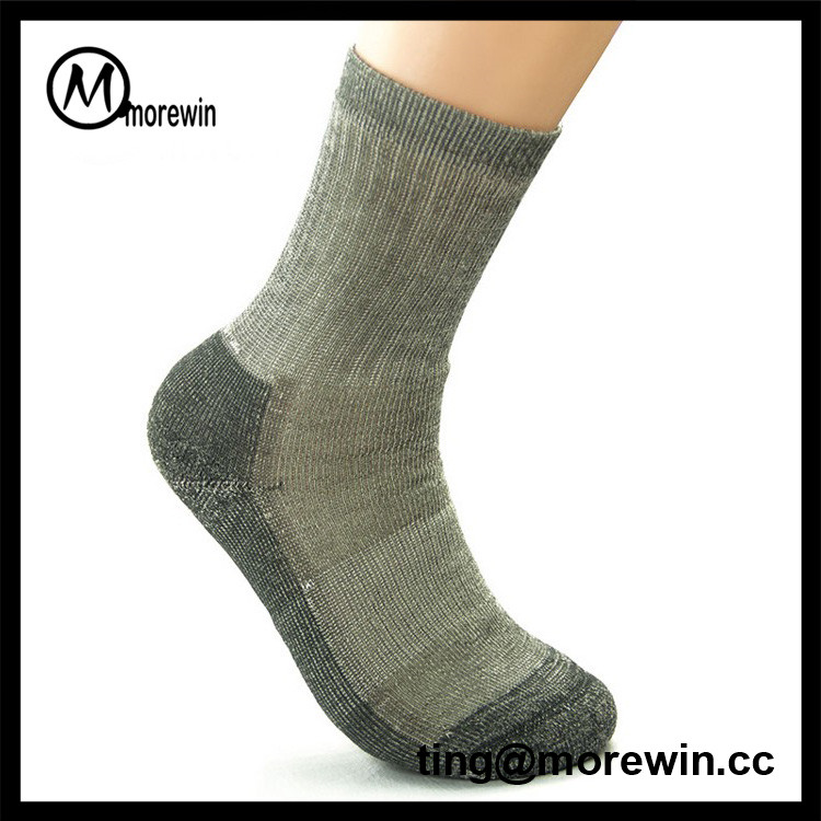 2017 Morewin small order factory price men's winter warm grey merino wool hiking socks