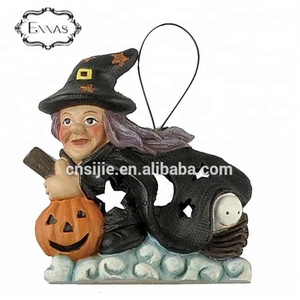 New design resin figure witch pumpkin ornament for halloween gifts