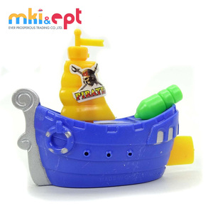Mini free sample plastic wind up swimming toy boat 2pcs for kids