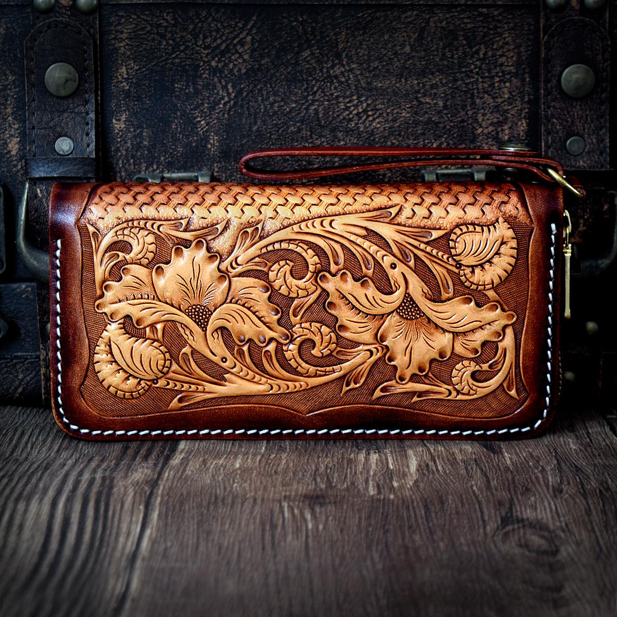 Bolso en cuero vegetal tallado pintado y fabricado a mano