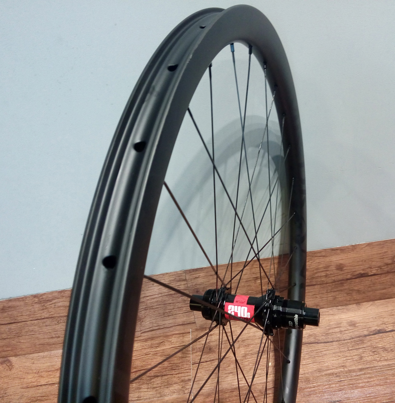 CARBONICIAN 30mm wide 30mm deep 27.5 inch mtb boost toray carbon wheels