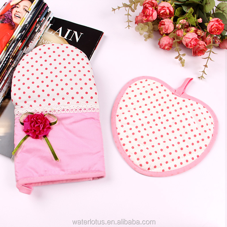 heart shape oven pad and oven glove