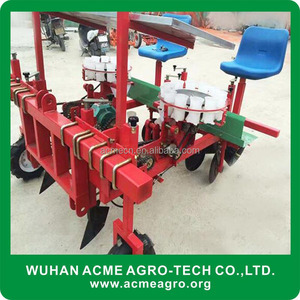 Automatic vegetable transplanter for farm plastic greenhouse cultivation