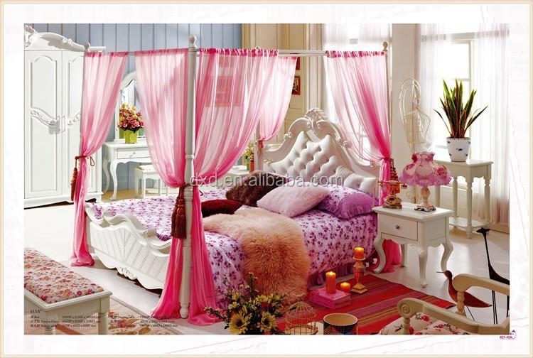 Roze prinses bed met een modern mooi design in de slaapkamer