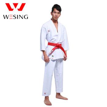 156244a5be578 Wesing hommes et femmes WKF karaté kumité gi uniformes d arts martiaux