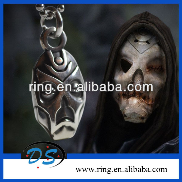Funky Dragon Priest Terrible Skull Mask Skyrim Games Prop Copy Pendant Chain Necklace