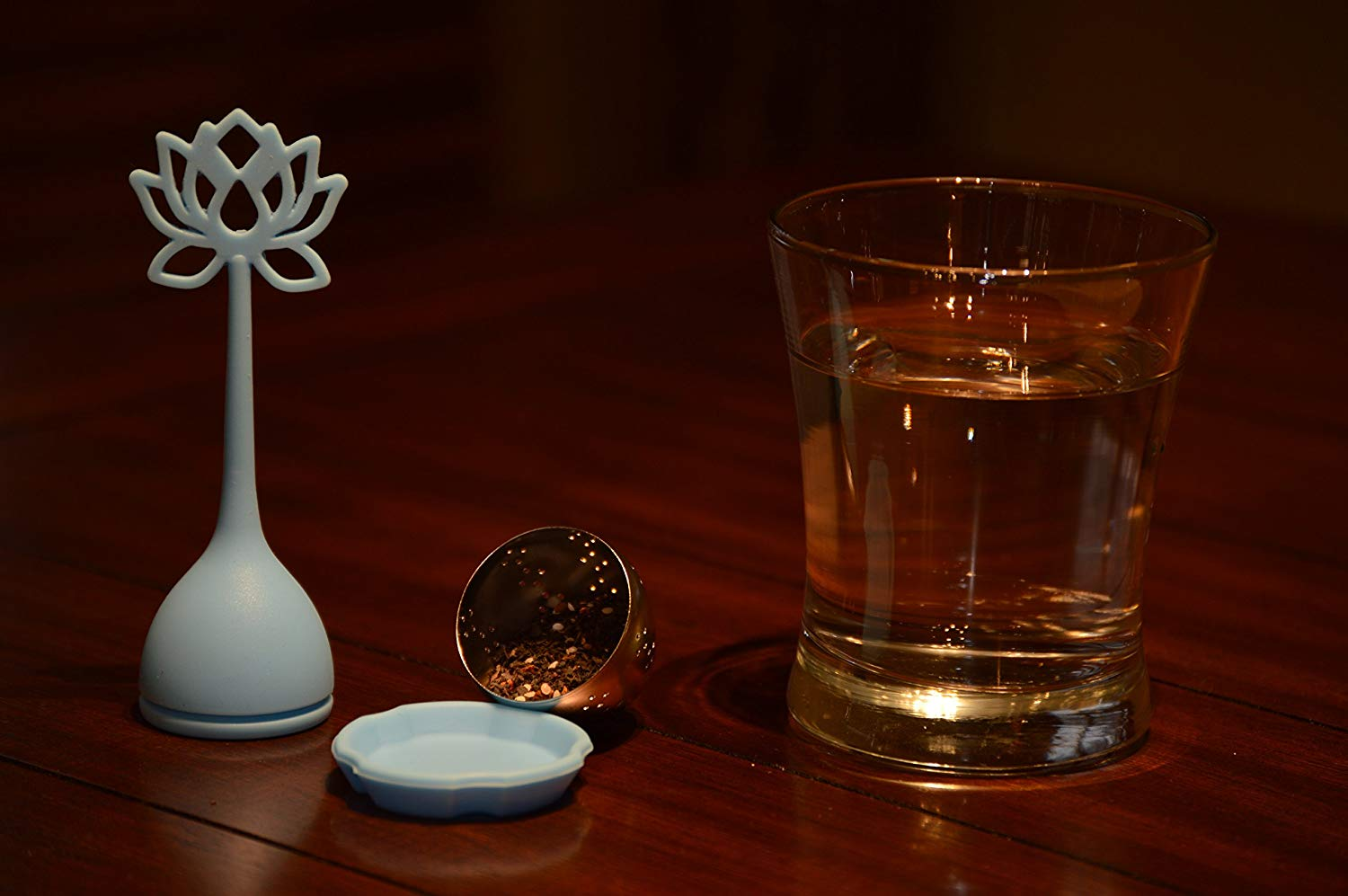 Flower Power Tea Infuser-for Loose Leaf Teas-silicone Top and Silicone Base (Blue)