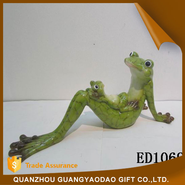 Miniature home decoration pieces lying frog with little son home decoration items