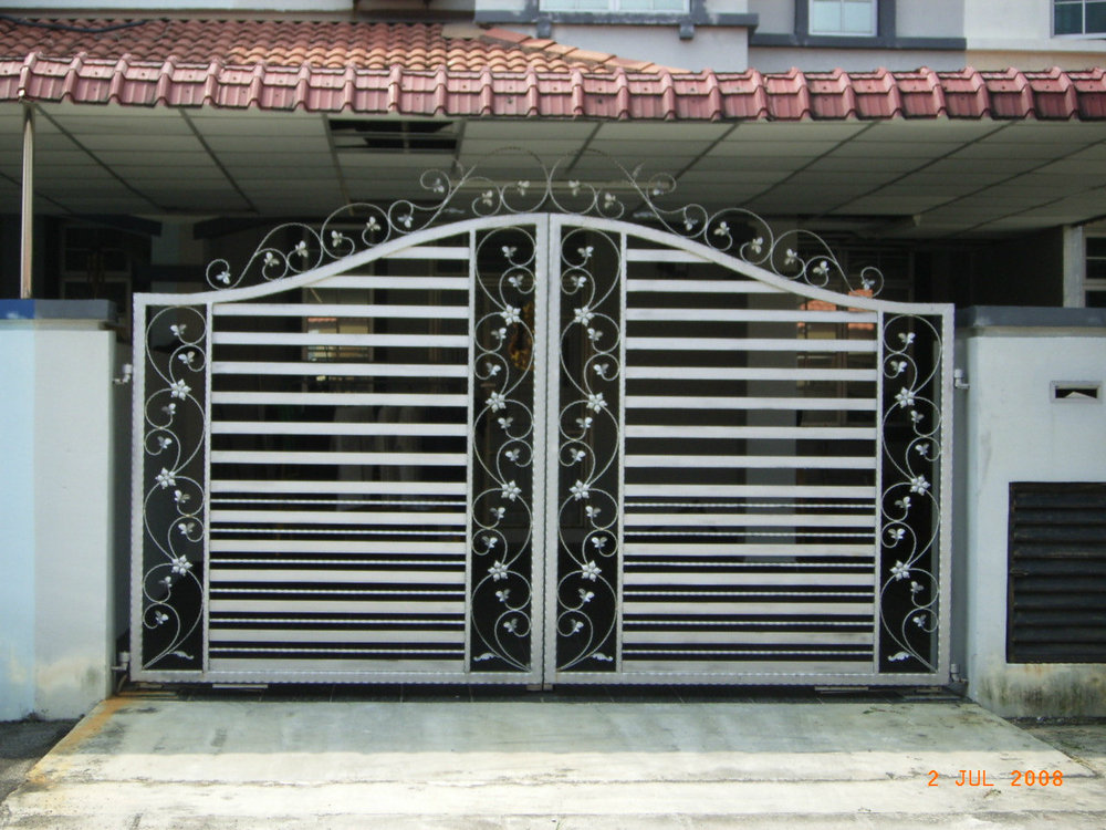 House different steel slide iron main gate designs buy - Sliding main gate design for home ...