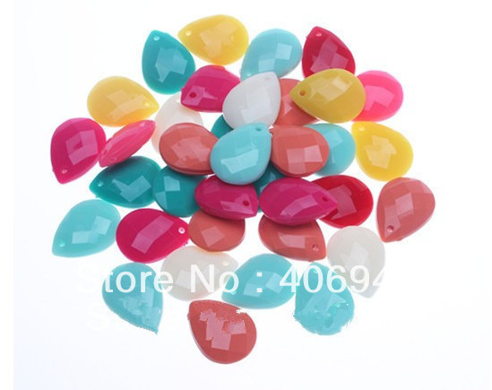 Ramdomly Mix Colors 18*25mm Acrylic Solid Faceted Teardrop Shape Necklace Pendants Chunky Acrylic Waterdrop Pendants Wholesale