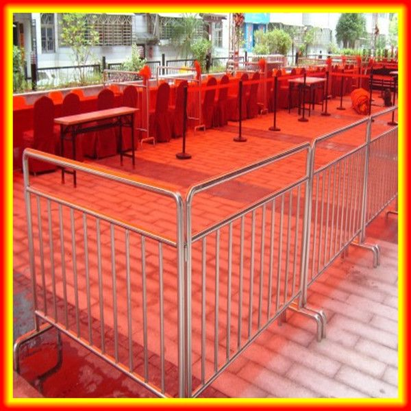 Hot Sale! Temporary Fence Post Base / Removable Metal Fencing Posts Alibaba Express