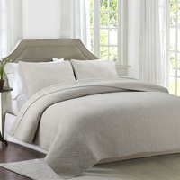 Simple Light Color Quilted Bedding Quilt