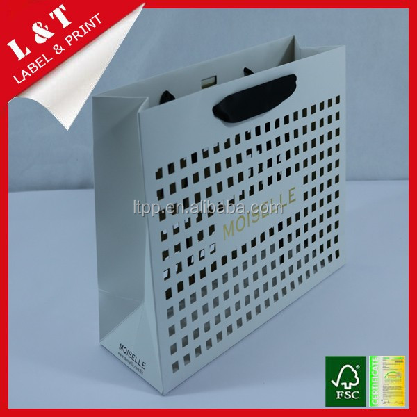 Solid paper shopping bag with widen handle