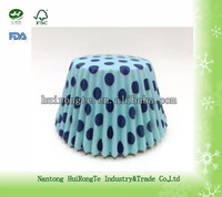 blue point of greaseproof disposable cake cup liners