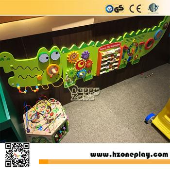 Venta Caliente Interactivo Y Educativos De Madera Montado En La Pared Jugar Con Panel De Diseño De Dibujos Animados Para Los Niños Jugar Esquinas
