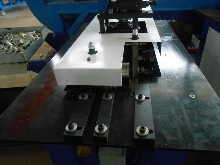 seven function pittsburgh lock nip roller forming machine