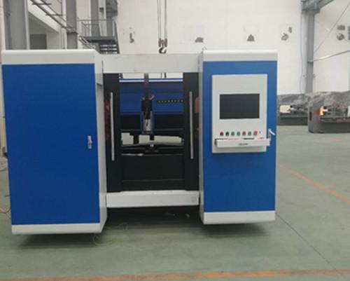 Laser Cutting Machine to cut metal plate