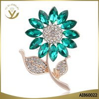 New arrival top quality colorful crystal petals sunflower brooch wholesale for wedding invitation
