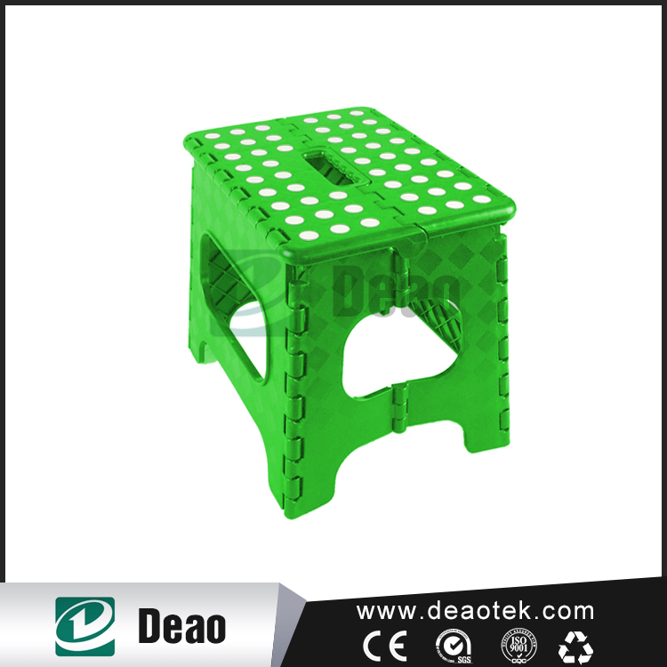 Medium Green Cheep Folding Plastic Portable Stool With Customized Logo