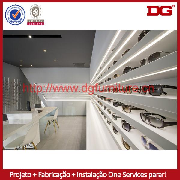 88a31d25f5f20 moderno para montagem na parede iluminado exibição óculos de sol de madeira