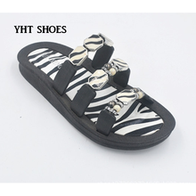 2018 unisex hot pearly design beach wear sport flat jelly shoes