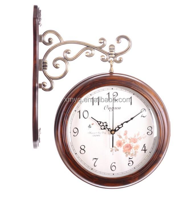 Arredamento in legno bianco doppia faccia orologio della for Orologio da stazione