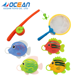 Early educational funny baby bathing toys plastic fish with fishing brail for selling