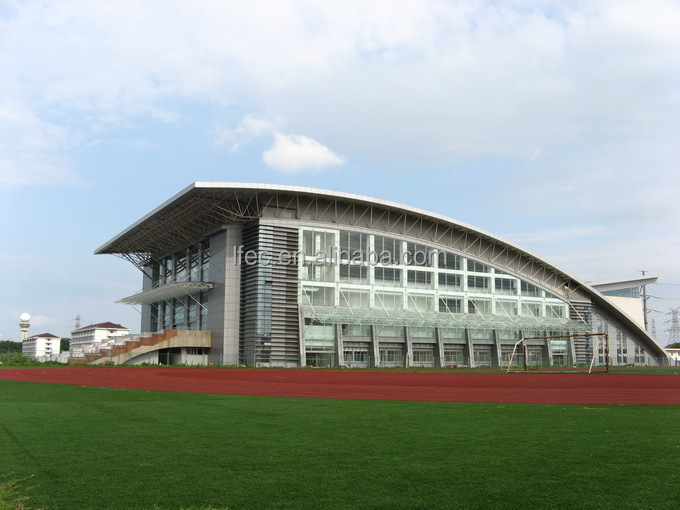 Open-air truss structure stadium roof