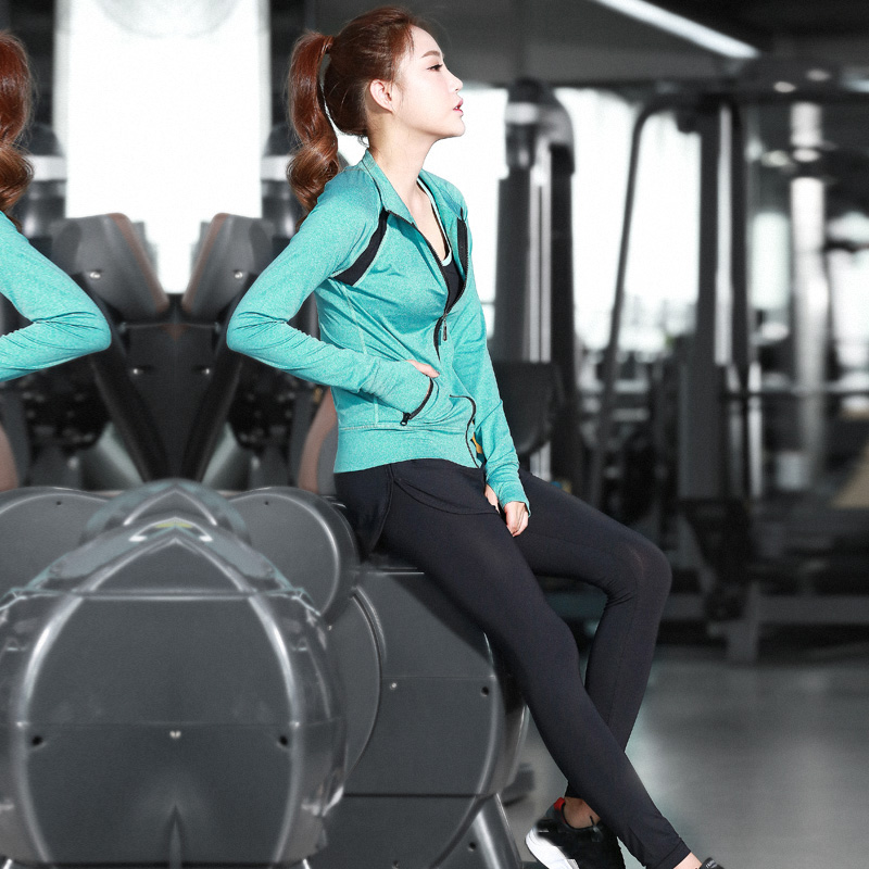 Women Sportswear Gym Fitness Yoga Legging Sets with Yoga Bra and Sweatshirt Coat