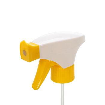 Yellow and white foam trigger sprayer for window / car cleaning usage