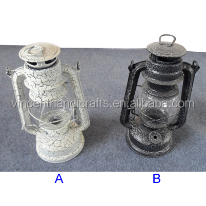 Rustic vintage crack craft outlet metal tin oil lamp for indoor or outdoor