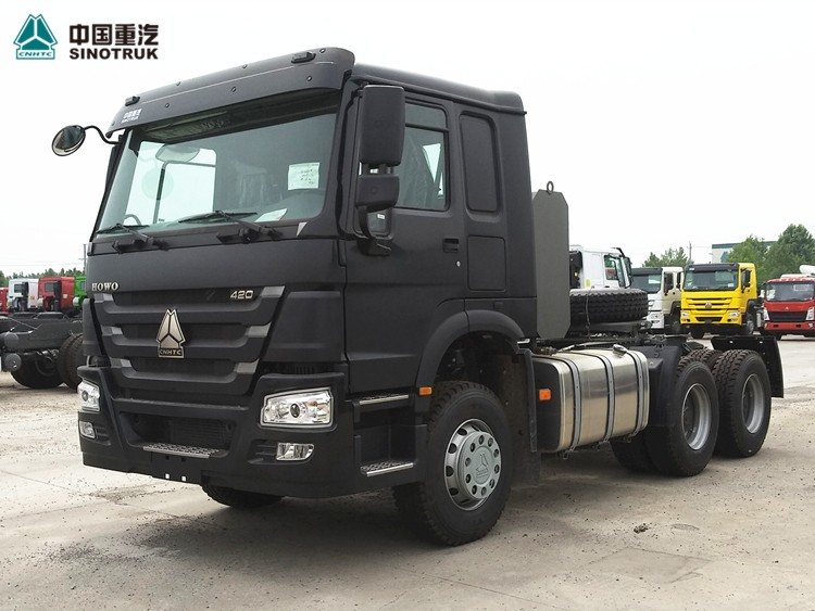 Sinotruk Howo 6x6 Log Transporting Tractor Truck Exported