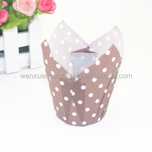Disposable tulip flower muffin cupcake liners