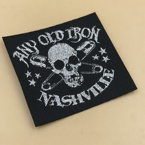 Top quality Iron on woven label / Embossed logo woven labels