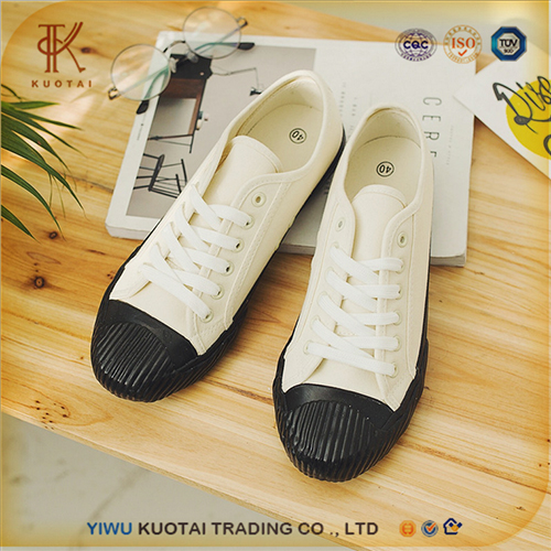 Wholesale Custom Comfortable Casual Canvas Shoes for Men