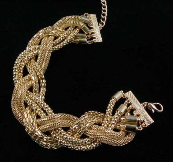 serpent ventes promotion achetez des serpent ventes promotionnels sur alibaba group. Black Bedroom Furniture Sets. Home Design Ideas