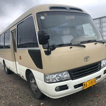 Toyota Coaster 30 <span class=keywords><strong>Posti</strong></span> 4.2 LT Diesel Manuale-Tetto Alto/Nuovo e Abbastanza utilizzato 30 <span class=keywords><strong>posti</strong></span> coaster