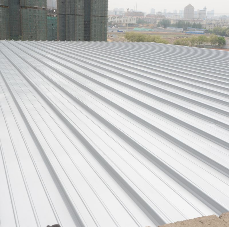The standing seam aluminum roof panel used for the house roofing be