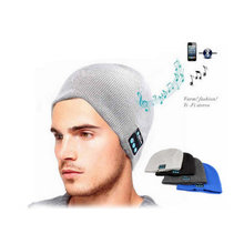 2017 New Fashion Wireless Earphone Speaker Winter Beanie Bluetooth Hat With Headphone Bluetooth Hat