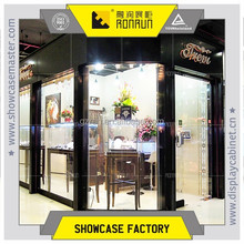 Luxury jewelry store window image design and cube stand case