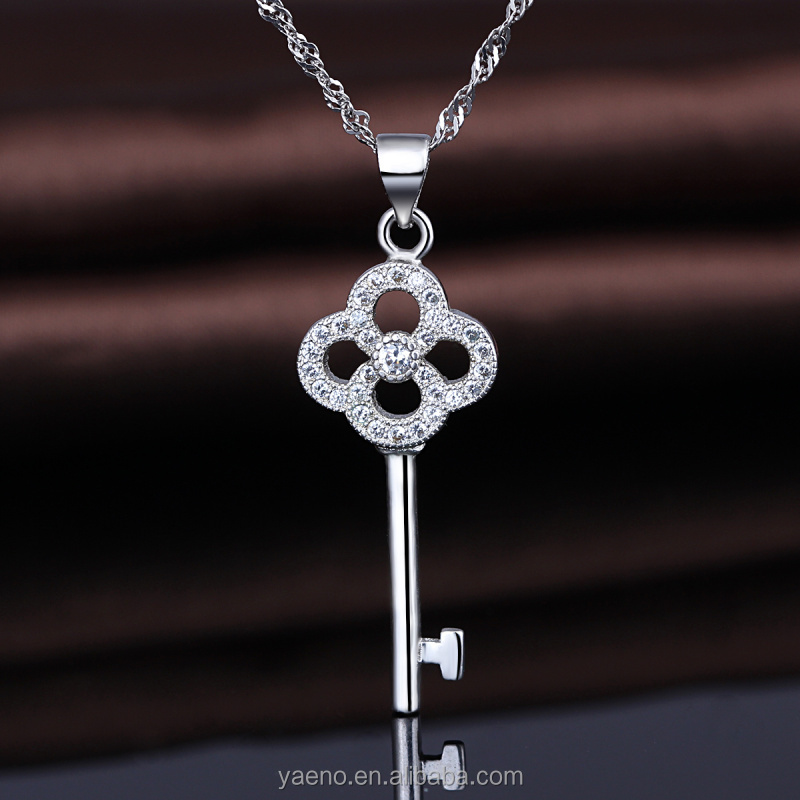 Factory Price Custom Jewelry 925 Sterling Silver CZ Key Pendant for Girl