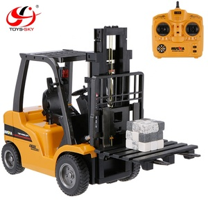Huina 1577 577 2.4Ghz 1:10 Scale 8 Channels Alloy RC Forklift Truck Crane RTR Engineering Car