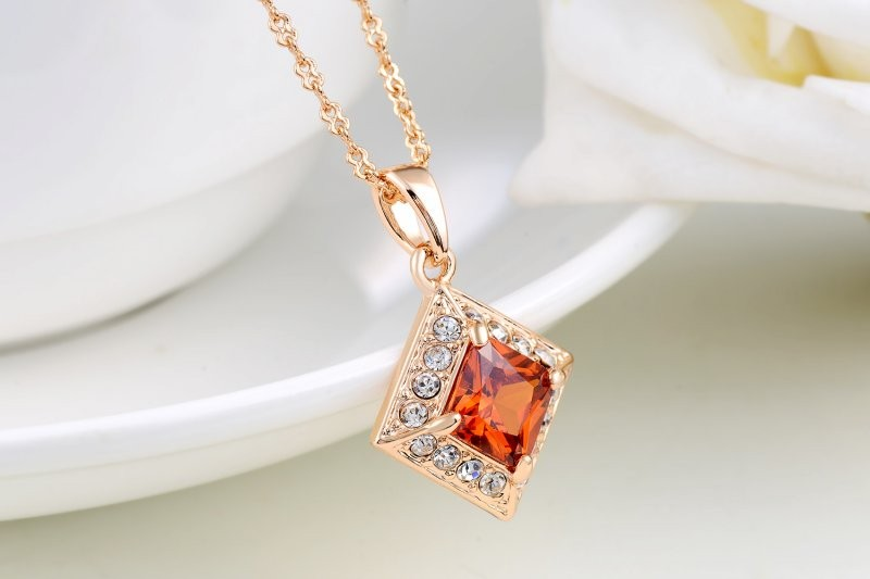 Creative Rhombus Sparkling Red Rhinestone Necklace Elegant Rose Gold Plated Jewelry