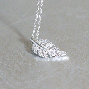 Dongguan Factory Supplier Rhodium Plated CZ White Gold Olive Leaf Charm Necklace Jewelry 925 Sterling Silver