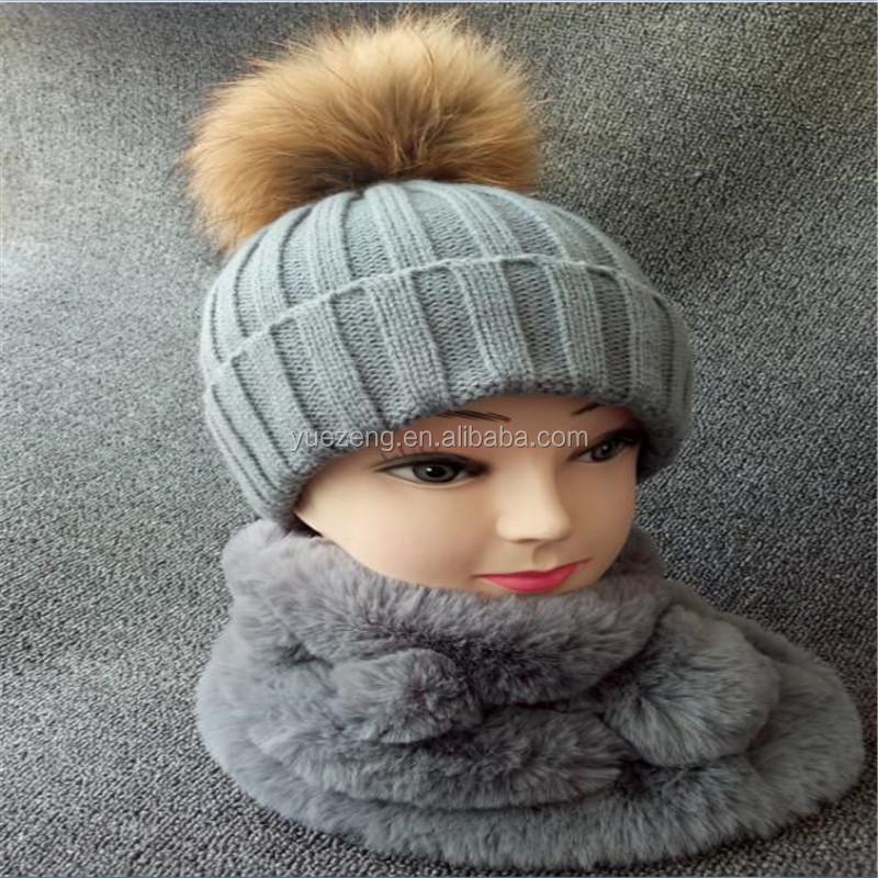 fc75fefc10e Lady Cable Knit Raccoon Fur Pom Beanie Hat - Buy Fur Hat Pom Poms ...