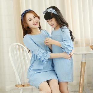 Лето семья одежда мать дочь соответствующие платья девушка хлопок и лен платье с лепесток рукава, 3 цветов FF1659