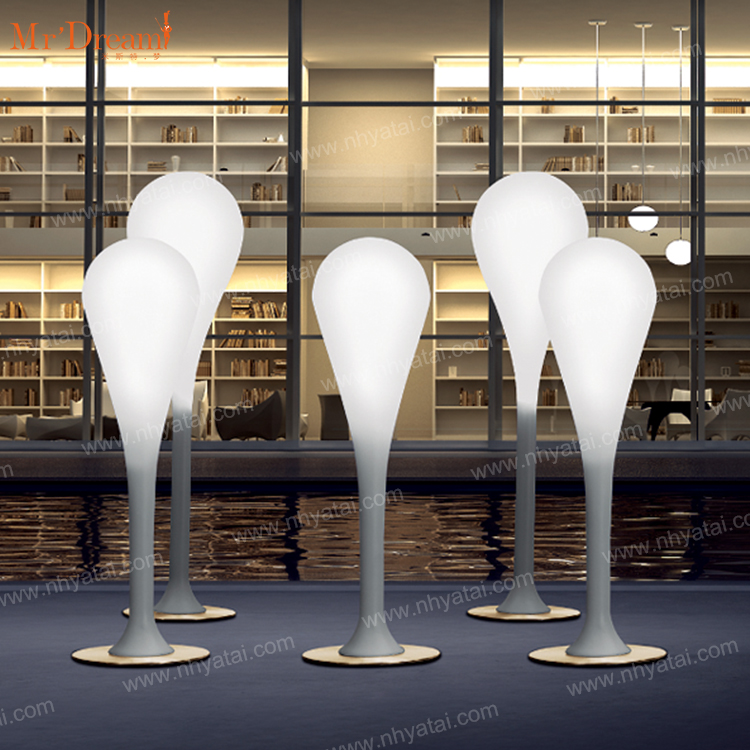 Wholesale illuminated outdoor furniture waterproof Ball stick floor lamp