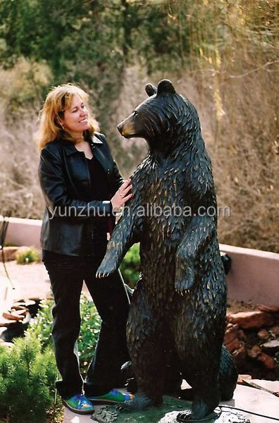 Casting bronze life-size animal bear sculpture,large brass bear statue