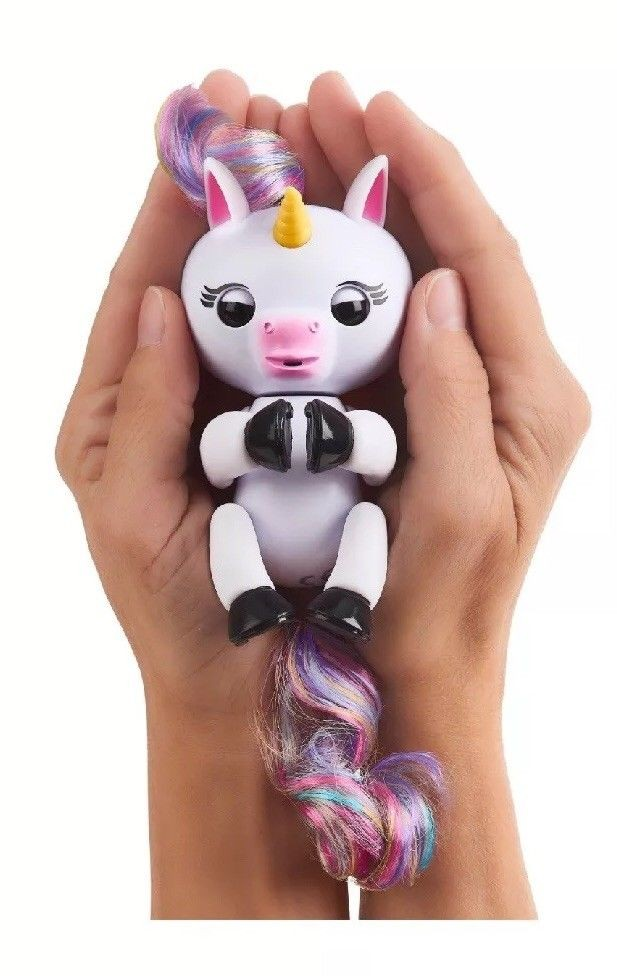2017 New hot Fingerlings Gigi baby Unicorn FIngerling in Box Rare kids Toy