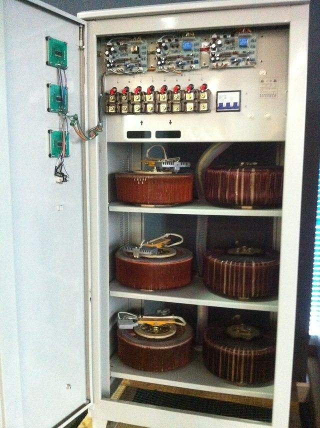 Controlled Automatic Voltage Stabilizer Homemade Circuit Projects